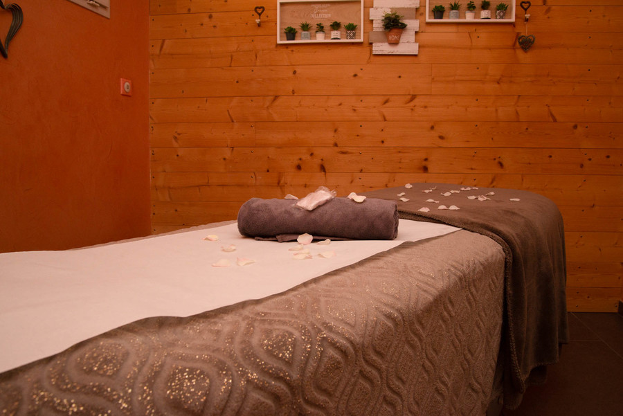 Massage Pierres Chaudes et Semi-Précieuses